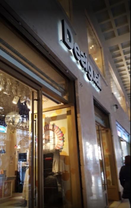 the latest 638ae 8c4e3 negozio desigual torino - via roma
